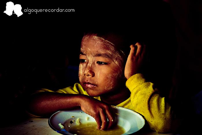 colabora_birmania_algo_que_recordar_01