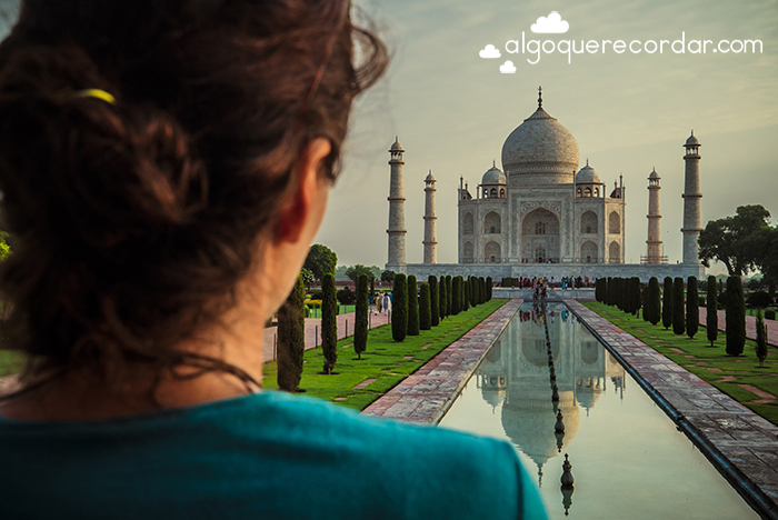 mujer Taj Mahal